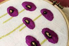 Ejercicio de bordado: flores que no existen