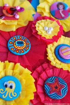 Crepe Party Streamer Rosettes/Gift Bows