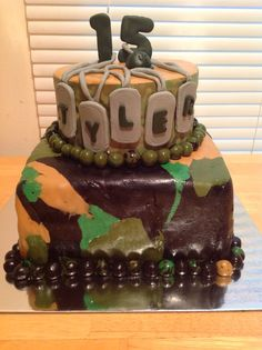 Dog tag birthday camo cake top layer made out of Wilton sugar sheet! By Jennifer Amburgy