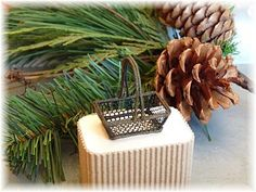 Miniature basket tutorial - uses florets wire - click on image to reach instructions