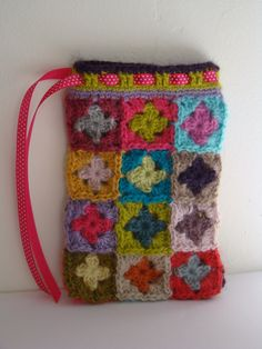 Kit pour une pochette Tutti Frutti en alpaga, ruban rose à pois draw, crochet granny, crochet bags, glasses, crochetbag, art, crochet pouch, crochet kit, bolsas crochet
