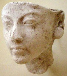 Bust of a daughter of Akhenaten. Probably Meritaten.
