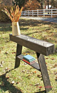 DIY Pallet Entryway Table from Fort Ledbetter