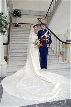 2005 Anita van Eijk-Oranje wedding gown with full expanse of train with her husband Prince Pieter-Christiaan van Orange-Nassau