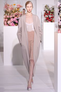 Raf Simon's Jil Sander show was of a completely different note... and stunning none the less.