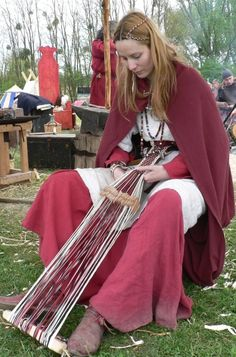 weaving in camp.clever!