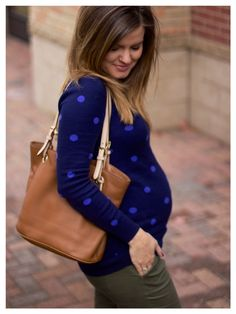 blue polka dot sweater (maternity sweater) from Old Navy / maternity fashion / maternity style