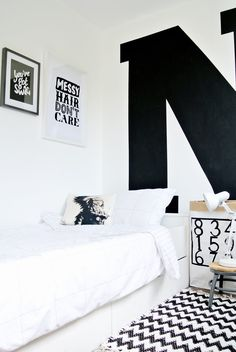 love the big painted letter on the wall