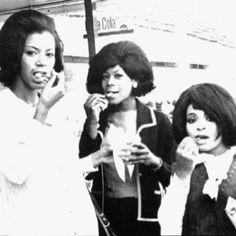 60s girls.