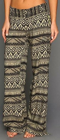Adorable wide palazzo pant fashion style