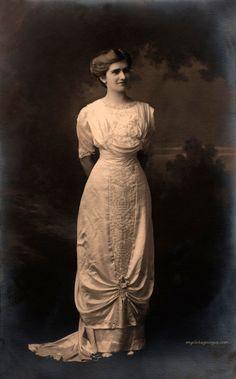 Wedding dress, 1910's