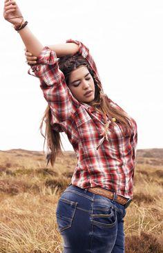 Denise Bidotfor Zizi  42 inch bust, 34 inch waist, 46 inch hips