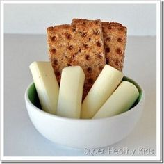 10 Quick and Healthy Bedtime Snacks - This is for healthy eating kids, but as a diabetic, I can benefit greatly from this!