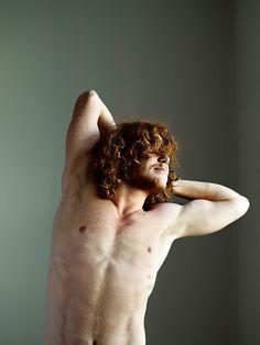 "Red Headed Men: ""Blog Dedicated to Freckled, fair skinned men. Gingers, Blonds and pale skin. Ginger men are beautiful!""    http://sonsofireland.blogspot.com/"