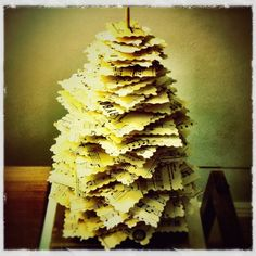 Got scrap paper, cardboard, a chopstick, and something to hold the chopstick? Make a tabletop Christmas tree -- in 5 easy steps. (P.S. I made this!) #DIY #repurposed #crafts #fun