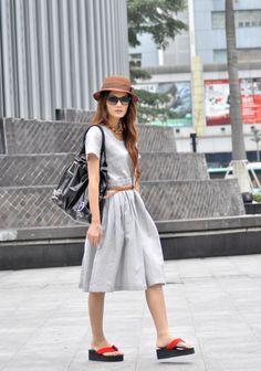 simple Sophia dress minus the flip flops.....cute!