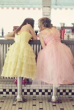 bridesmaids, 1950s, pastel colours, fountains, bridesmaid dresses, diners, pastel party, cream, friend
