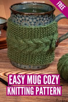 A free mug cozy knitting pattern with a simple cable stitch detail