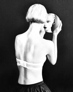 mirror | reflection | fashion | black & white |