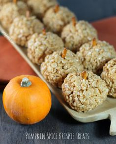 Emily Bites - Weight Watchers Friendly Recipes: Pumpkin Spice Krispie Treats