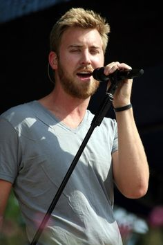 Charles Kelley (BBA '04) sings in popular country music band Lady Antebellum.