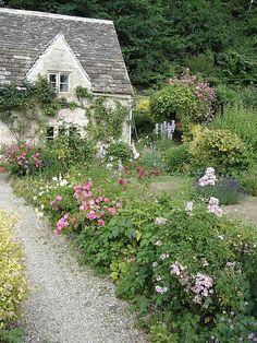 English cottage garden, Bibury