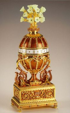 Fabrege Jeweled Egg. Fabrege Musical Egg