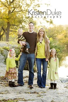 Love this family pose