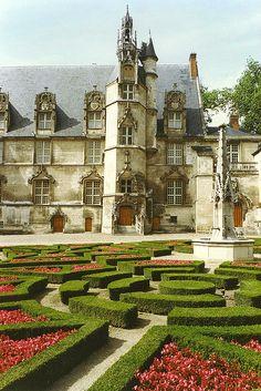 Palais d'Eveque - Beauvais
