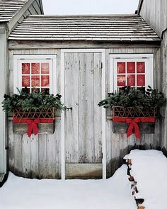 red, outdoor christmas decorations, barn, christmas windows, hous