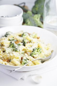 Cheesy Broccoli and Bacon Pasta Bake