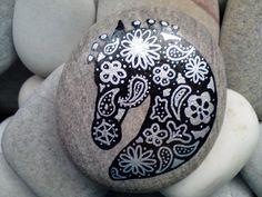 horse silhouette art, horses, hands, paisley design, silhouettes, hors silhouett, paint stone, paint rock, stone art