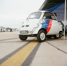 """Love this. BMW Isetta with cheeky """"M"""" stripe"""