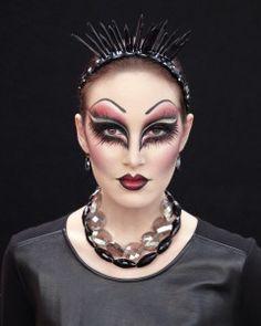 Evil Queen Makeup - from Martha Stewart for #Halloween