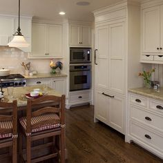 Off White Traditional Cabinets French Flair Design, Pictures, Remodel, Decor and Ideas - page 3