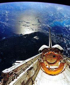 Killer picture of Atlantis over Florida,