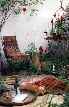 55 Awesome Morocco-Style Patio Designs : 55 Charming Morocco Style Patio Designs With White Wall Brown Chair Table Carpet Plant Decor And Stone Floor #boho