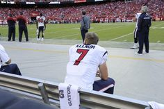 Keenum on the bench, just havin a rest! I hope we never have to see this guy on the bench again!! He NEEDS to be on the field!!!! He HAS to be on the field! He MUST be on the field!!!