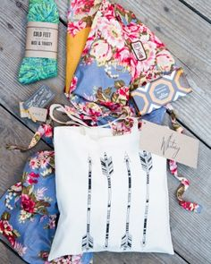 At the rehearsal dinner, Sarah presented her bridal party with arrow-printed goody bags brimming with treats. View the complete Big Sur wedding from start to finish by following the link!