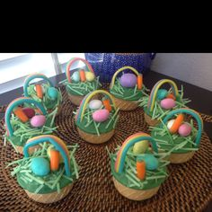 Easter Basket Cake pops using the top of an ice cream cone.