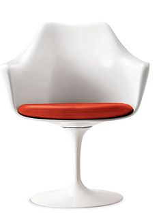 Saarinen Tulip Armchair designed by Eero Saarinen for Knoll
