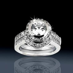 Wow this is a huge ring! Maybe too big...