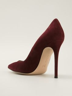Shop GIANVITO ROSSI pointed toe pumps from Farfetch