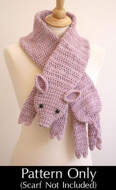 Cachecol de crochê porquinho.