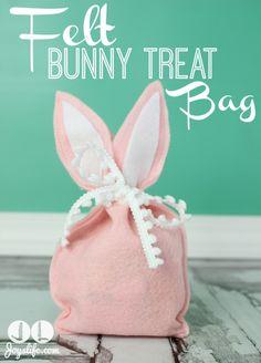 Felt Bunny Treat Bag #Easter #Bunny #DIY #SilhouetteCameo