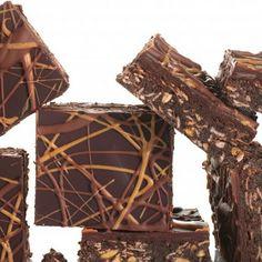 No-Bake Chocolate and Peanut Butter Oatmeal Bars! Delicious! #oatmeal #peanutbutter #chocolate