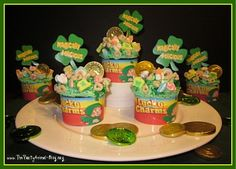 holiday, charm cupcak, cupcak idea, charms, cupcakes, st patricks day, stpatrick, cereal, lucki charm