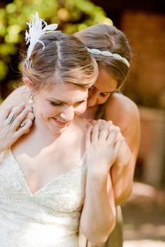 Love this for the bride and maid of honor pictures
