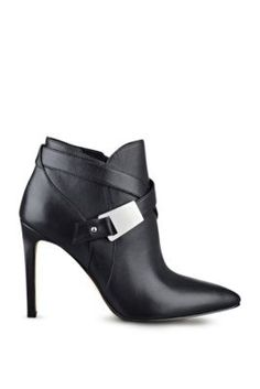 Valari Pointed-Toe Booties | GUESS.com