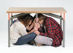Earthquake-proof table